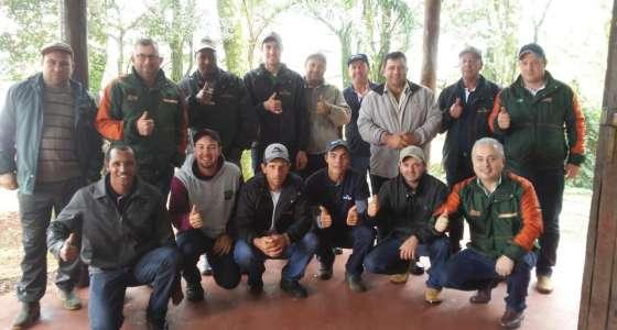 Treinamento sobre Plantio Topper 5500 é realizado para equipes das Granjas União e Dois Coqueiros